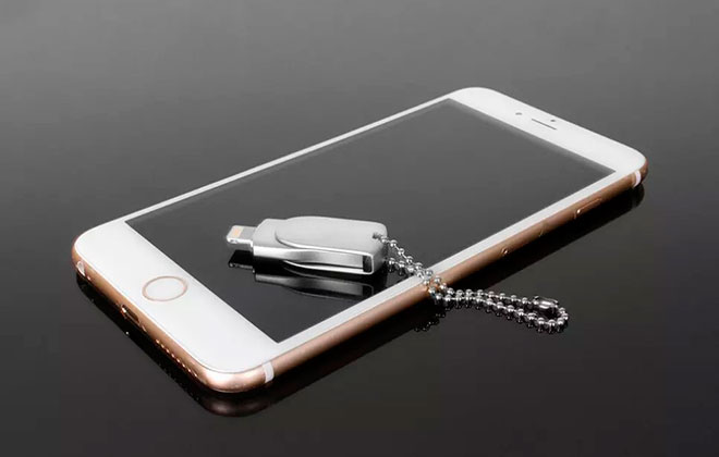 Mini-metal-Swivel-OTG-USB-flash-drive-for-IOS-iPhone-iPad