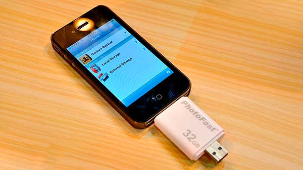 photofast-i-flashdrive-iphone-ipod-ipad