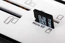Слот для подключения карты памяти